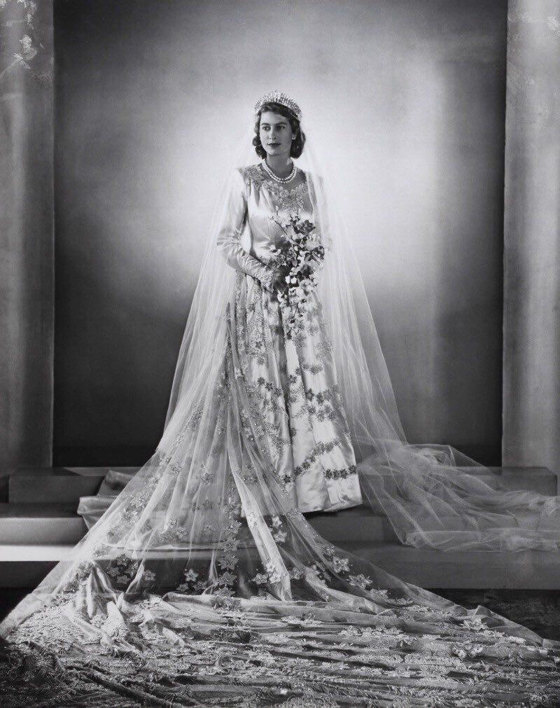 elizabeth wedding dress