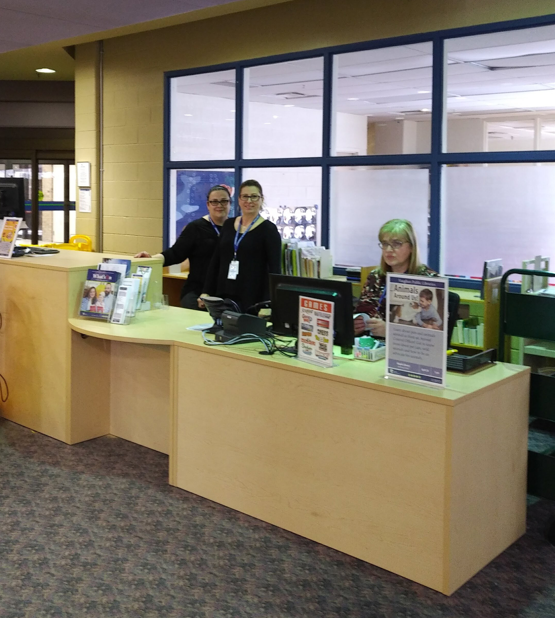 New Service Desk at Maple Library